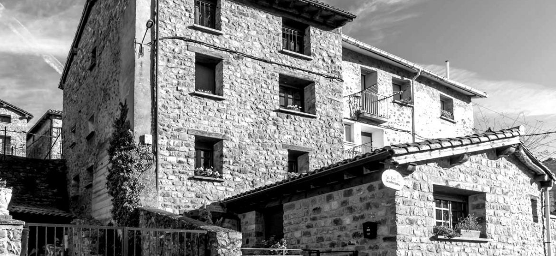 casa-rural-senderismo-blackwhite